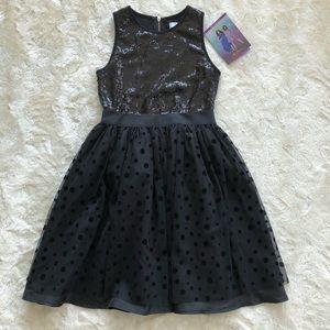 Disney Dresses - NWT evie and mal Black sequenced Disney dress